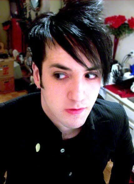 http://2014newhairstyle.net/emo-hairstyles-for-men.html Emo Hairstyles for Men : 2014 New Hair Style Models