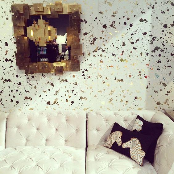 """Ooh la la! We're majorly crushing on @jonathanadler new gold-and-white splatter-paint wallpaper. #NYNow"""