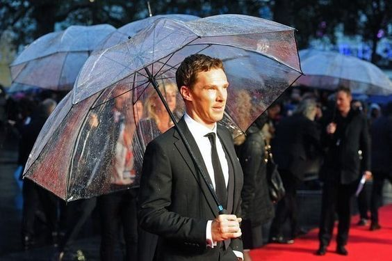 The time he completely owned this umbrella on the red carpet and made us wish we could be such a lucky inanimate object. | 37 Times Benedict Cumberbatch Well And Truly Owned 2014