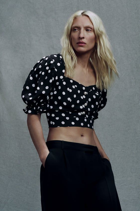 Crop Top With Faux Pearl Buttons Zara Germany In 2020 Button Crop Top Crop Tops Fashion