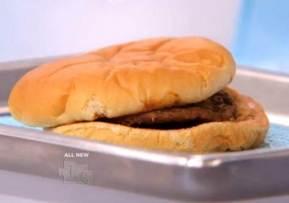 Americano guarda hambúrguer da McDonalds por 14 anos. Veja o que aconteceu - Notícias - Cotidiano - Administradores.com