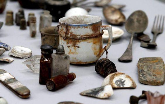 In Polen sind mehr als 16.000 Gegenstände aus dem Besitz von Opfern des nationalsozialistischen Konzentrationslagers Auschwitz aufgefunden worden, wie der Pressedienst des Museums Auschwitz-Birkena…