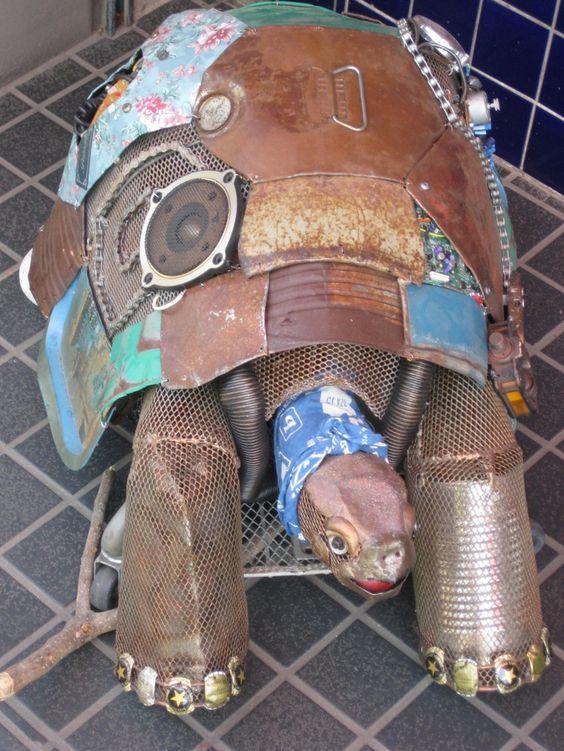 Garden junk art Tin Turtle | protractedgarden