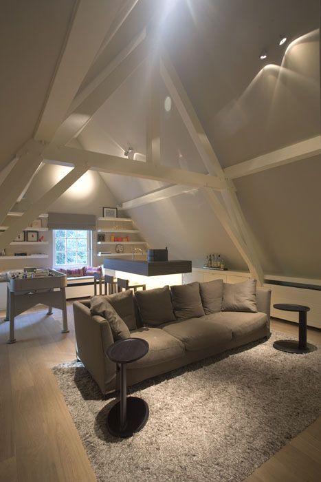 Interieur atelier and dakappartement on pinterest - Balken grijs geschilderd ...
