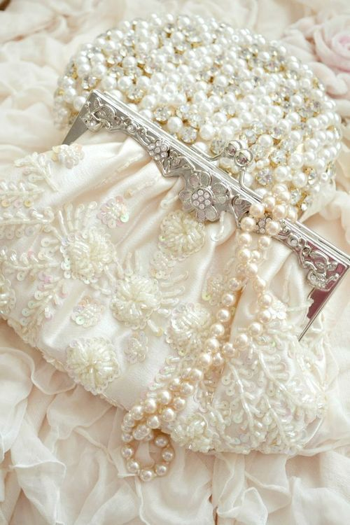 Pretty pearls and clutch