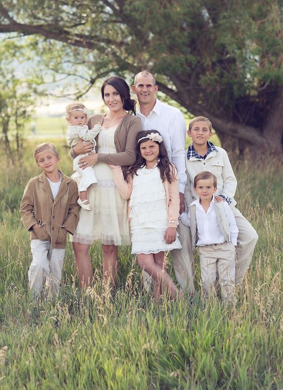 Family Portrait Clothing Ideas Winter For Kids