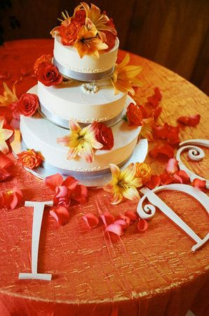 Love this! #Orange #wedding #Cake