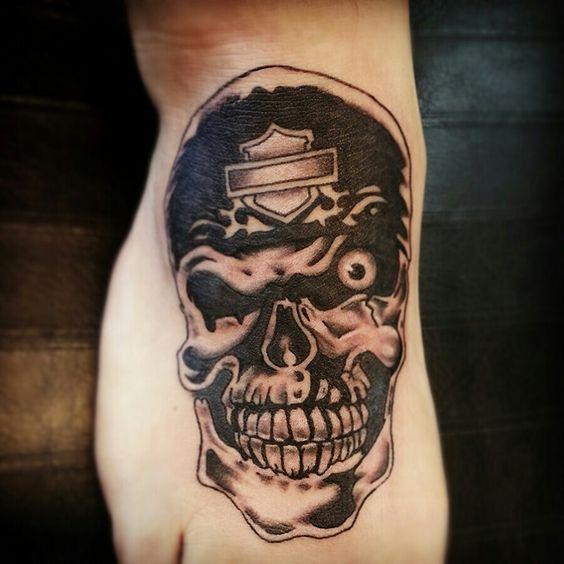 Harley davidson skull tattoos and skulls on pinterest for Harley skull tattoos