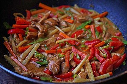 Schnelles Thai-Curry mit Huhn, Paprika und feiner Erdnussnote, ein sehr leckeres Rezept aus der Kategorie Reis/Getreide. Bewertungen: 876. Durchschnitt: Ø 4,6.