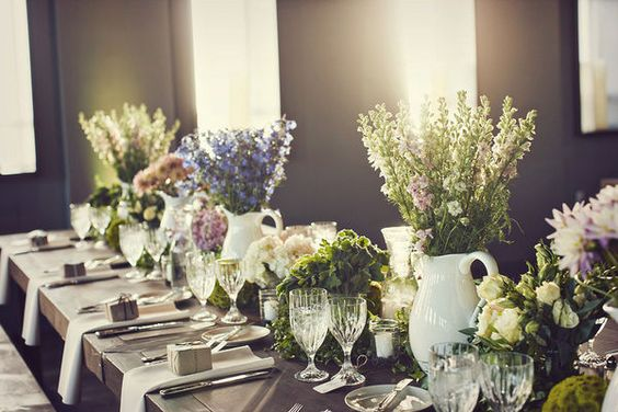 a tablescape full of flowers cut from the garden...incredible!