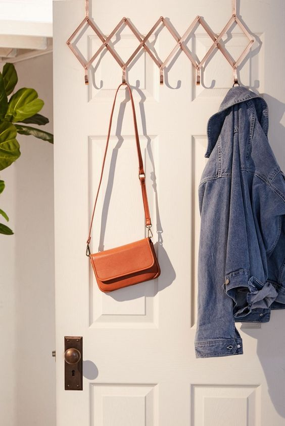 Expandable Over-The-Door Multi-Hook | Urban Outfitters