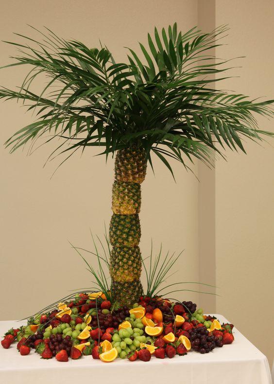 Pineapple Tree Very Easy To Make I Used A Christmas Tree