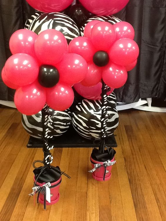Pink and black balloon flowers i think m gonna try to