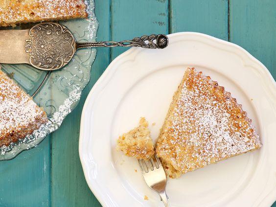 Dieser glutenfreie Kuchen ist unheimlich lecker, ganz schnell gemacht und zergeht mandelig auf der Zunge. Probieren Sie es einfach aus. http://www.fuersie.de/kochen/backrezepte/artikel/rezept-spanische-mandeltorte