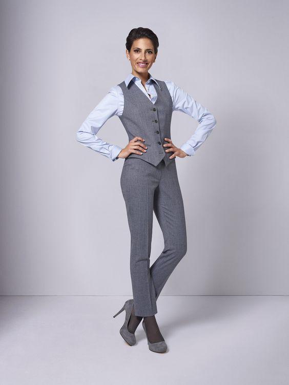 Grau muss nicht langweilig sein! Gerade im Business-Bereich kleidet kaum eine andere Farbe Frau stets so passend wie edles Grau. Mit fast jeder Farbe kombinierbar, funktioniert das Multitalent Grau aber auch als Komplettlook bestens. Und farbenfrohe Futterstoffe geben Ihrem grauen Look die persönliche Note.