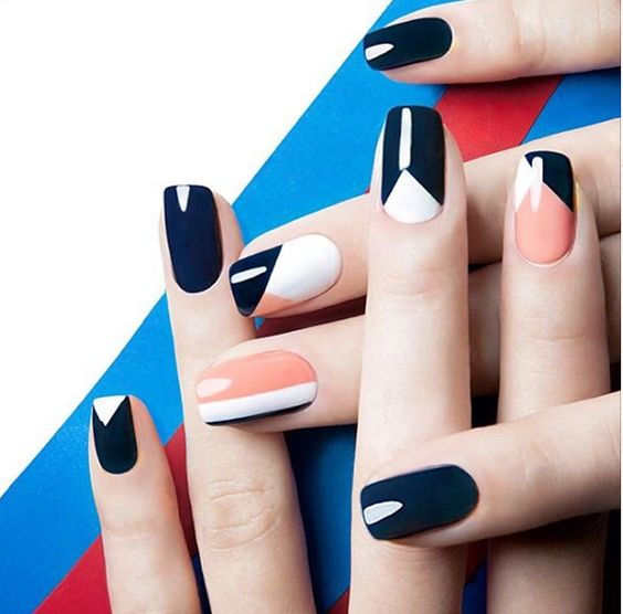 trendy graphic nail designs