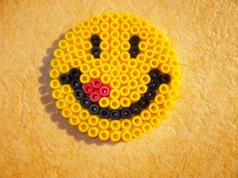 Perle hama petit sourire cliquez sur la photo pour voir le mod le hanna pinterest hama - Smiley perle a repasser ...