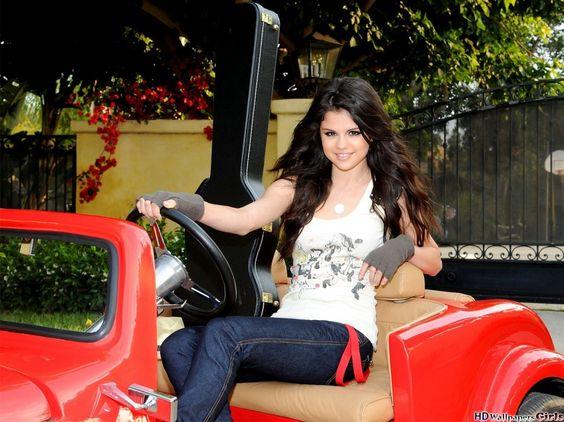 Quality wallpaper with the image of Selena Gomez talented