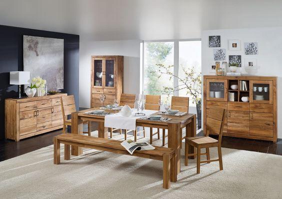 Ein #Esszimmer stilvoll und modern eingerichtet. Unsere #Massivholzmöbel aus der Berlin-Serie besteht aus heimischer Wildeiche und ist ein echter Trendsetter für zeitgenössisches Wohnen.