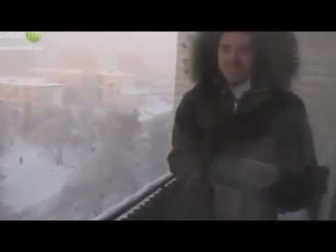 How-to: turn boiling water instantly into snow. Эксперименты в -41°С