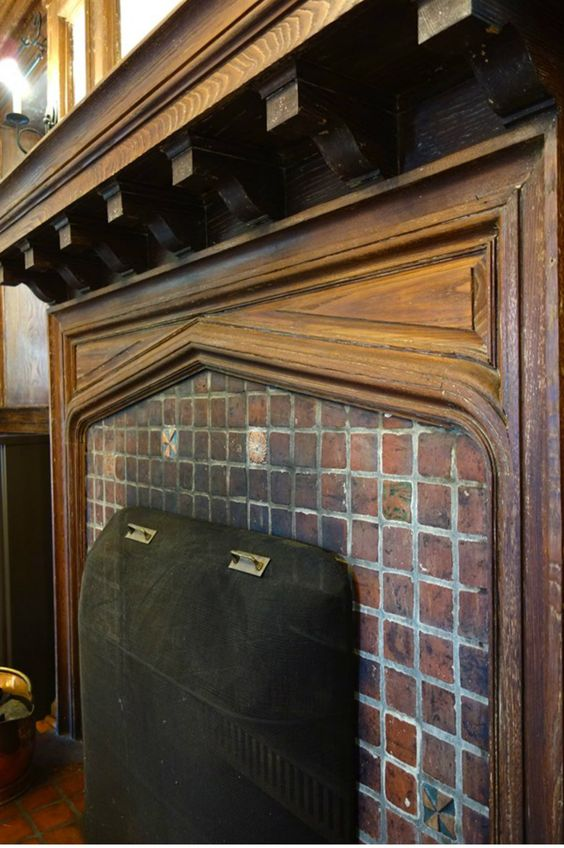 Tudor arch fireplace mantel in 1905 arts crafts style for Tudor style fireplace