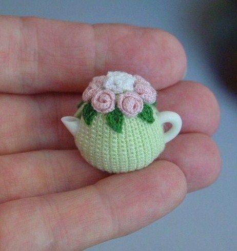 sweet rose tea cosy