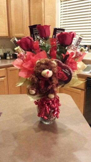 Valentine Chocolate Bouquet 1000 Ideas About Candy Baskets On