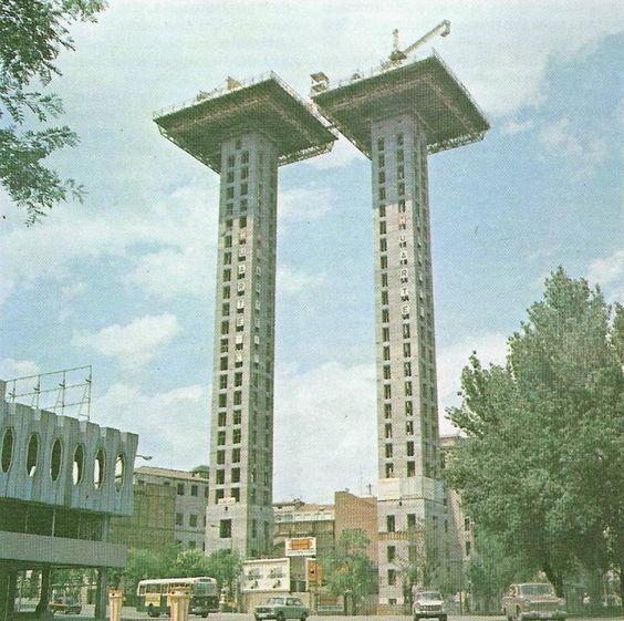 Construcción de las Torres de Colón (01/01/1972)