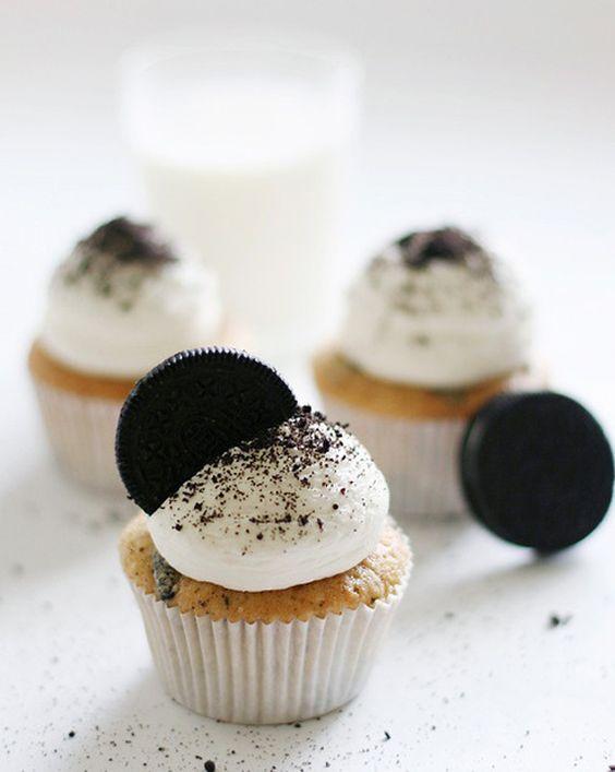 Recette cupcakes anniversaire le cupcake or o for Cuisine entre copains
