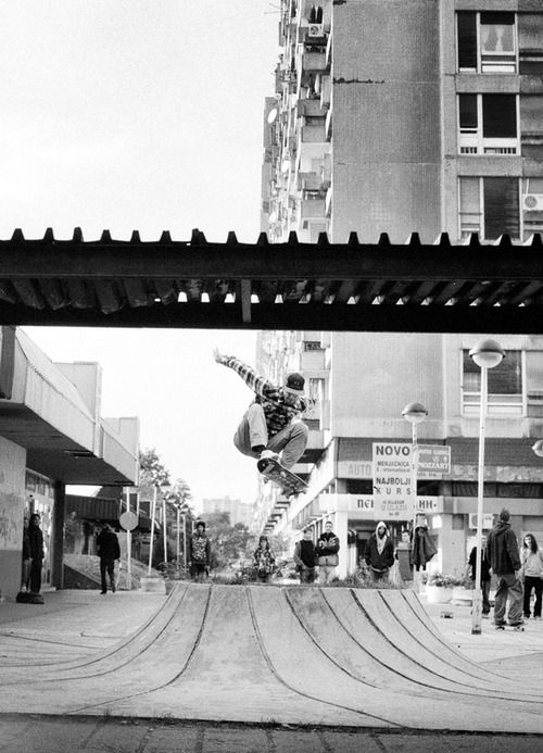 Scott Bourne,Transfer to Disaster. Belgrade, Serbia. Photo: Bertrand Trichet