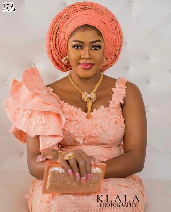 Latest Breathtaking Asoebi Styles