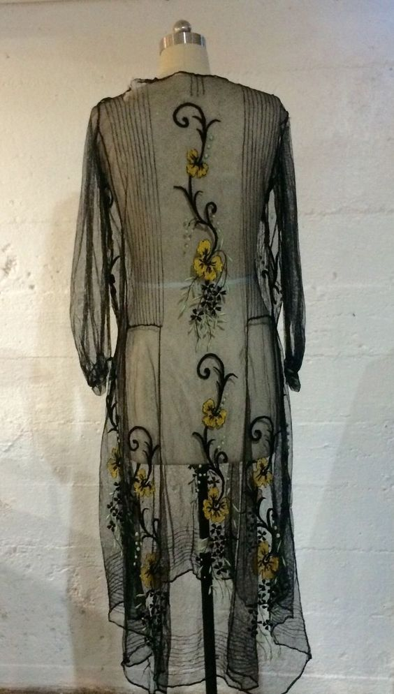 1920s Embroidered Dress. Back