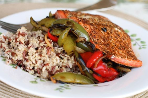Gojee - Grilled Blackened Salmon Fajita Bowl by Aggie's Kitchen