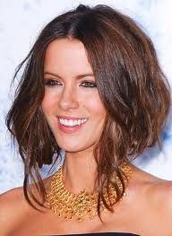 How to style frizzy hair?