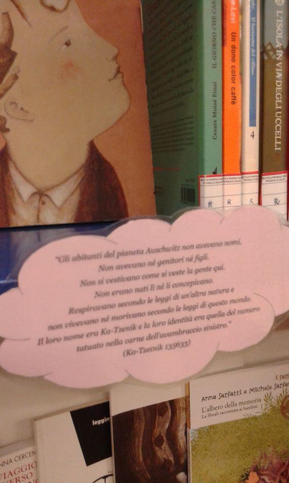 Scaffale dedicato al Giorno della Memoria con libri e DVD suddivisi per fasce d'età (Bambini, Ragazzi e Giovani Adulti) disponibili in Biblioteca Provinciale Ragazzi.