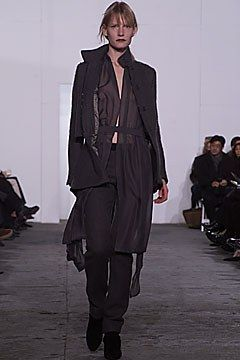 Helmut Lang Fall 2001 Ready-to-Wear Collection Photos - Vogue