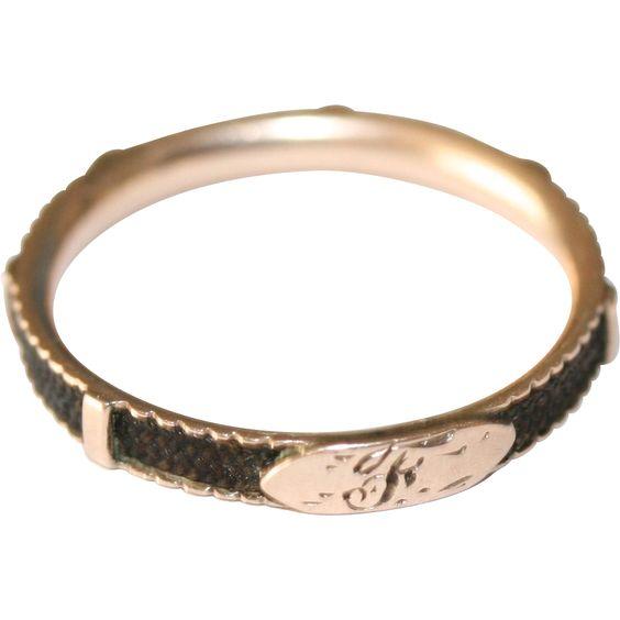 Antique Georgian 9 carat rose gold and hair mourning ring - circa 1790