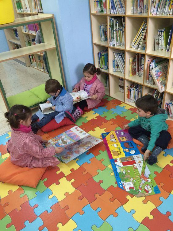1ª visita de los niños/as de Infantil a nuestra biblioteca