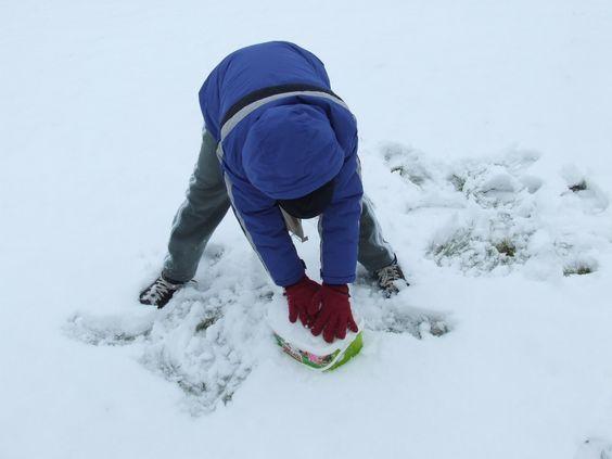 téli játék hóvár építés