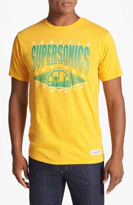 Vintage vibes with this Seattle Supersonics tee.