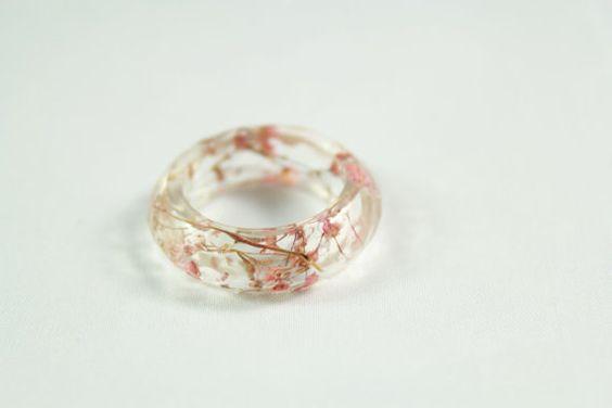 Light Pink Baby's Breath Resin Ring par smartflower sur Etsy