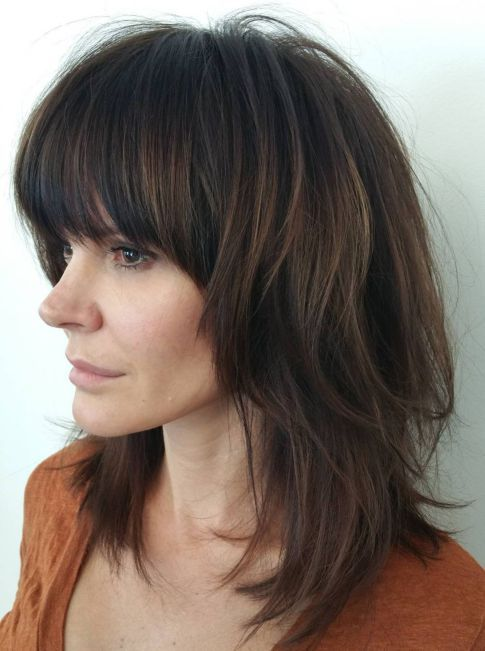11+ Medium shaggy layered hairstyles with bangs trends