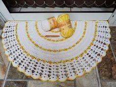 Tapetes em Croche     decoração em croche     O  tapete em croche modelo meia-lua se apresenta   de cara nova, veio do bazar horizonte  e ...