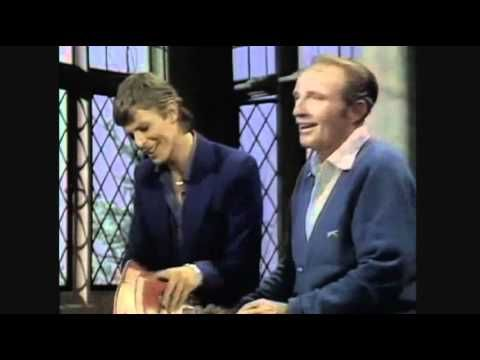 Bing Crosby and David Bowie duet for Christmas | Rare Photos of ...