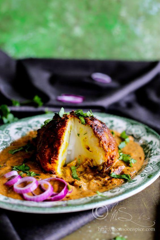 Monsoon Spice   Enthüllen Sie die Magie der Gewürze ...: Vegan Gobi Musallam Rezept   Gebratenes Blumenkohl in Makhani Gravy