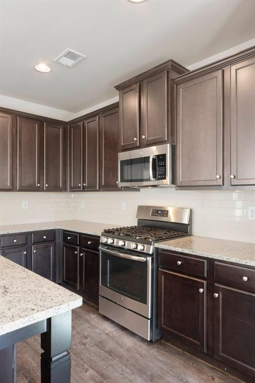 Residential For Sale In Marietta Georgia 6538661 Home New Homes Home Decor