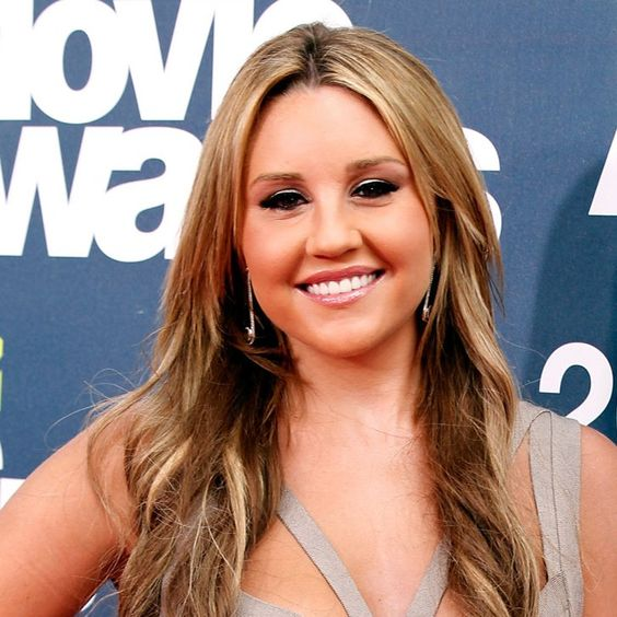 Pin for Later: Speed Read: Is Pot to Blame For Amanda Bynes's Erratic Behavior?