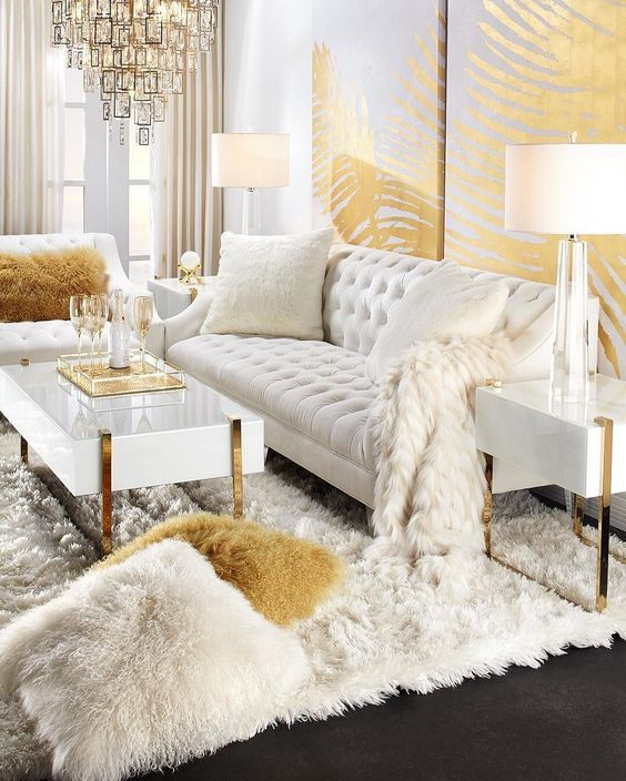 When you're selecting your furniture for your cozy living room ideas, size and plushness count. Soft fabrics and lots of comfortable seating providing a warming and relaxing feel. #homedecor #livingroom #livingroomideas #livingroomdecor #homedecorideas #homedesign