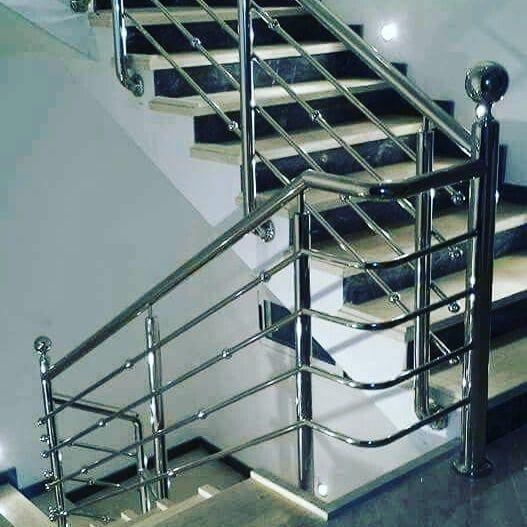 Bengkel Las Acds Sur Instagram Yang Punya Rumahciamis Baru Dan Lagi Nyari Jasa Pembuatan Reling Steel Railing Design Staircase Railing Design Railing Design