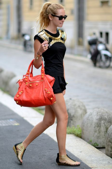 Handbag: Street Fashion, Balenciaga Bag, Style Inspiration, Orange Balenciaga, Street Style, Outfit, Black Gold